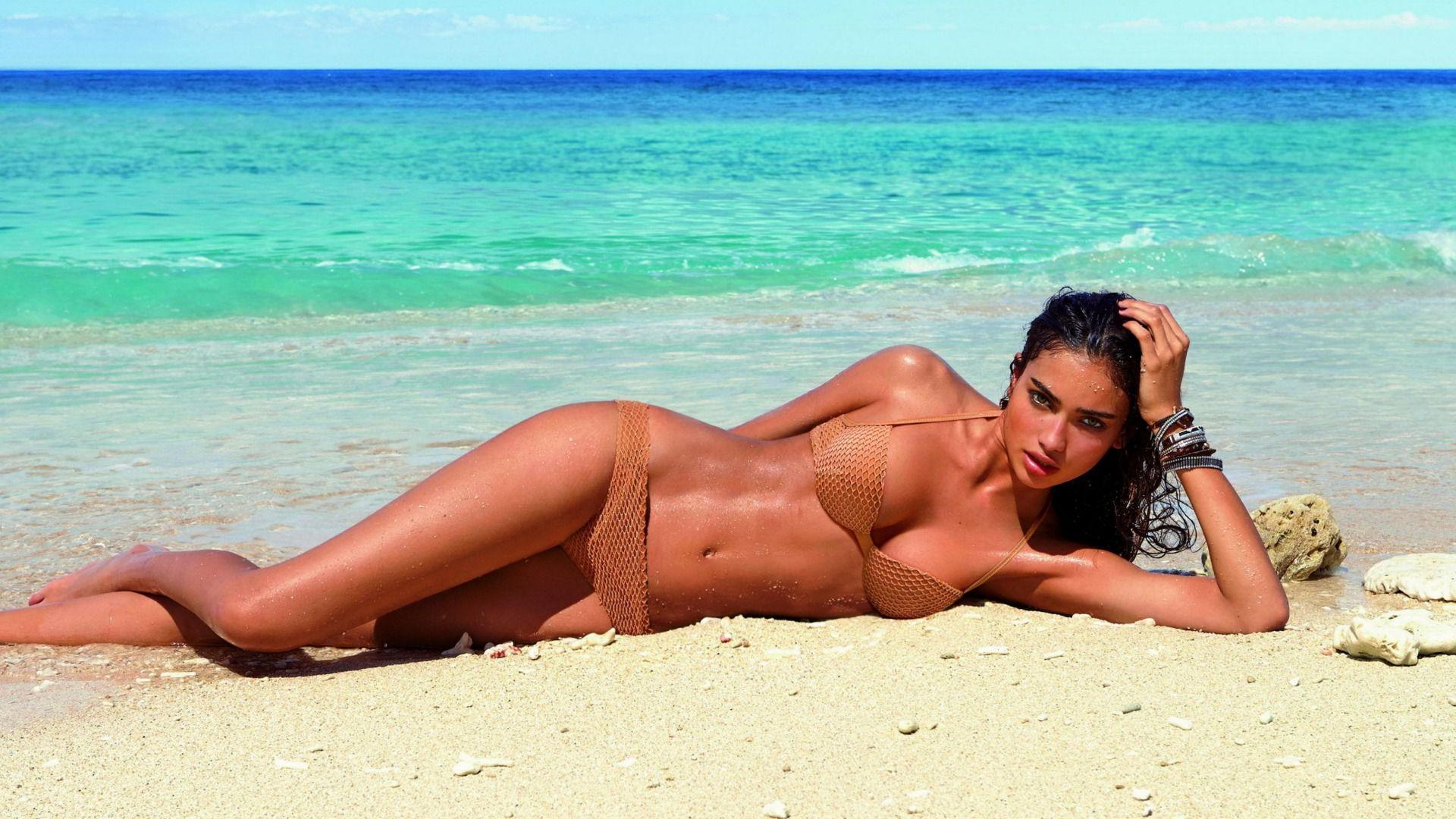 Фото на пляжі в спермі 12 фотография